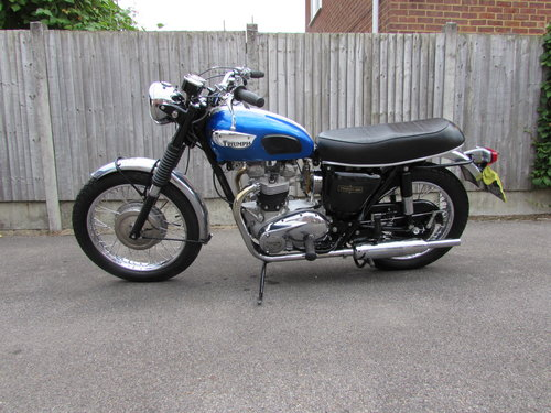 Restored 1968 Triumph TR6 American specification For Sale (picture 1 of 6)
