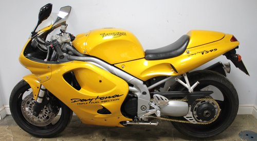 1998 Triumph T595 1000 cc Daytona,29,000 Miles Beautiful     SOLD (picture 4 of 6)