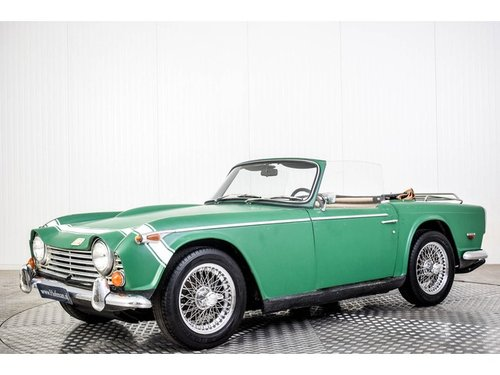 1967 Triumph TR250 TR5 Roadster For Sale (picture 1 of 6)