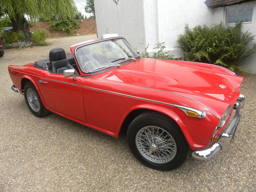 1967 TR4A IRS 16000 MILES SINCE RESTORATION For Sale (picture 2 of 6)