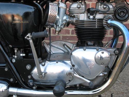 1966 Triumph T120R Bonneville  For Sale (picture 3 of 6)