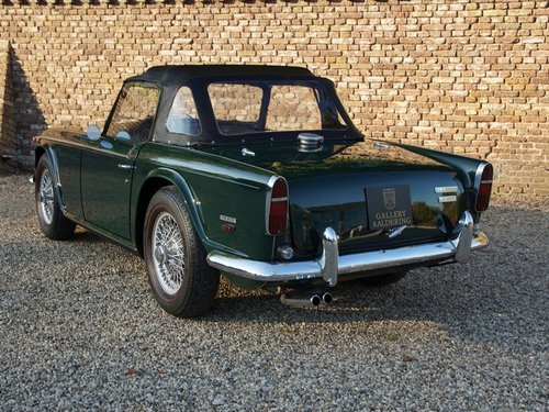 1968 Triumph TR250 matching numbers and colours, overdrive For Sale (picture 2 of 6)