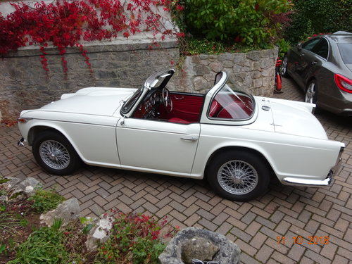 1967 Triumph TR4a IRS SOLD (picture 1 of 6)