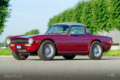 1971 Triumph TR6 PI (CP) Overdrive Surrey-Top LHD  For Sale (picture 2 of 6)