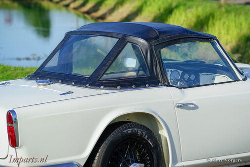 1964 Perfectly restored Triumph TR4 For Sale (picture 5 of 6)