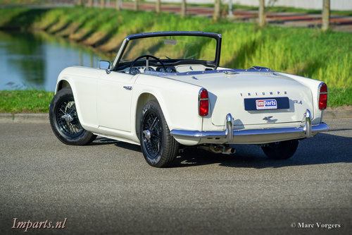 1964 Perfectly restored Triumph TR4 For Sale (picture 6 of 6)