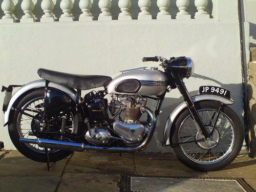 1951 TRIUMPH T100 SPRUNG HUB For Sale (picture 1 of 6)