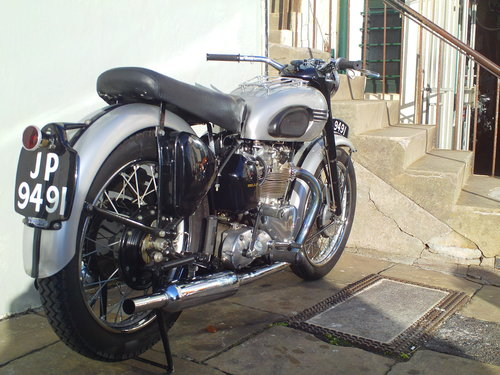 1951 TRIUMPH T100 SPRUNG HUB For Sale (picture 2 of 6)