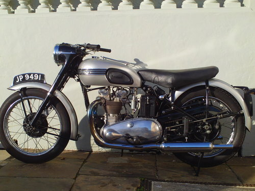 1951 TRIUMPH T100 SPRUNG HUB For Sale (picture 3 of 6)