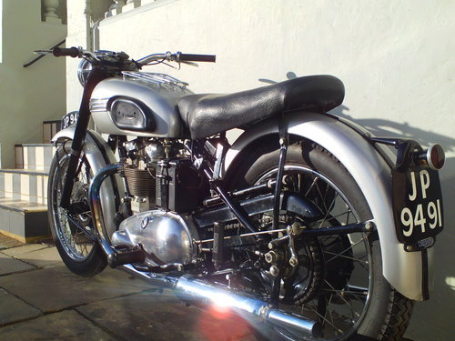1951 TRIUMPH T100 SPRUNG HUB For Sale (picture 4 of 6)