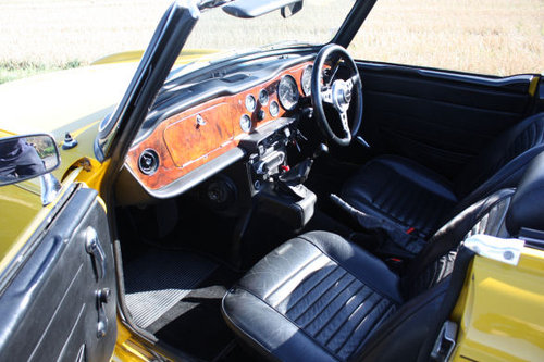 TR6 1972 RESTORED TO EXCEPTIONAL STANDARD SOLD (picture 3 of 5)