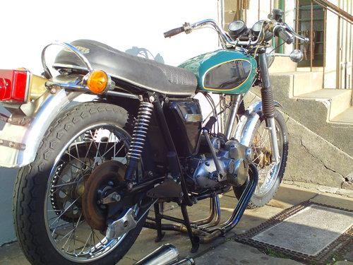1975 TRIUMPH TRIDENT T160V PROJECT SOLD (picture 2 of 6)