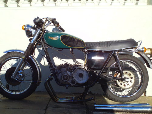 1975 TRIUMPH TRIDENT T160V PROJECT SOLD (picture 3 of 6)