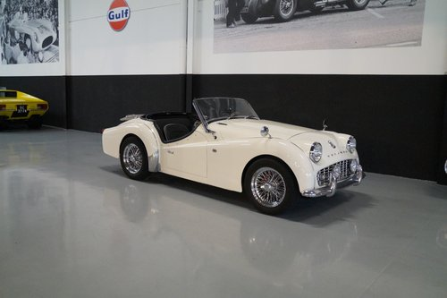 TRIUMPH TR3 Beautifully restored (1961) For Sale (picture 1 of 6)