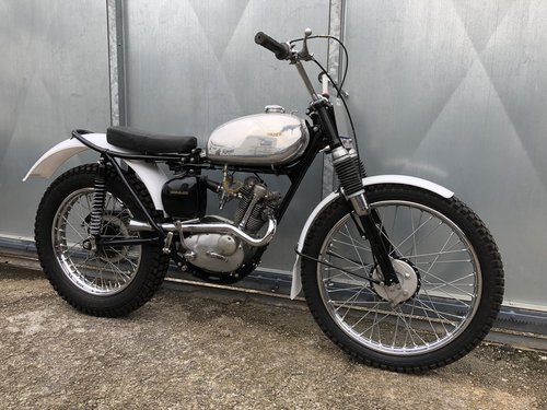 TRIUMPH TIGER CUB TRIALS MINT FANTASTIC BIKE £4995 OFFERS PX For Sale (picture 1 of 4)