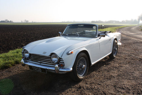 1968 TRIUMPH TR5 IN TRIUMPH WHITE WITH BLACK TRIM SOLD (picture 1 of 6)