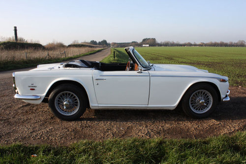 1968 TRIUMPH TR5 IN TRIUMPH WHITE WITH BLACK TRIM SOLD (picture 6 of 6)