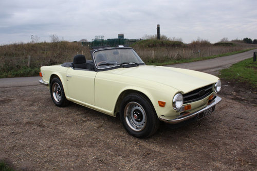 TR6 1972 ORIGINAL UK FUEL INJECTED CAR WITH OVERDRIVE SOLD (picture 1 of 6)