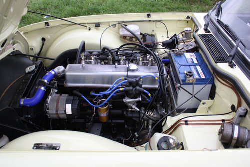 TR6 1972 ORIGINAL UK FUEL INJECTED CAR WITH OVERDRIVE SOLD (picture 5 of 6)