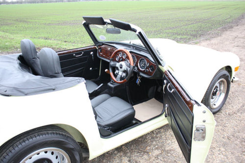 TR6 1972 ORIGINAL UK FUEL INJECTED CAR WITH OVERDRIVE SOLD (picture 6 of 6)