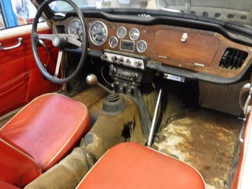 1965 Triumph TR4 white For Sale (picture 4 of 6)