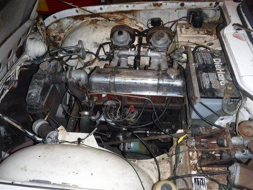 1965 Triumph TR4 white For Sale (picture 5 of 6)