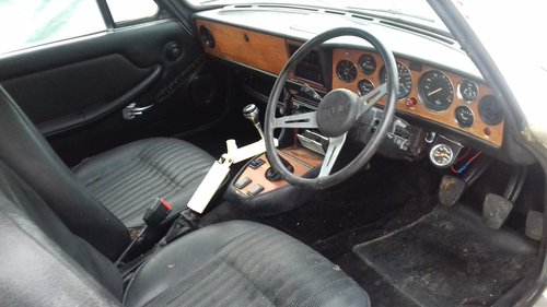 1975 TRIUMPH STAG MKII 3.0 V8 MANUAL O/D ~ LOTS OF POTENTIAL SOLD (picture 5 of 6)