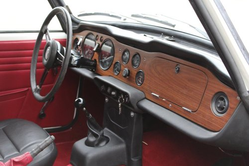 1969 TRIUMPH TR6 WHITE MANUAL  For Sale (picture 5 of 6)