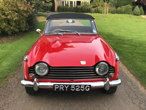 Triumph TR5 1969 in Signal Red, Stunning. SOLD (picture 3 of 6)