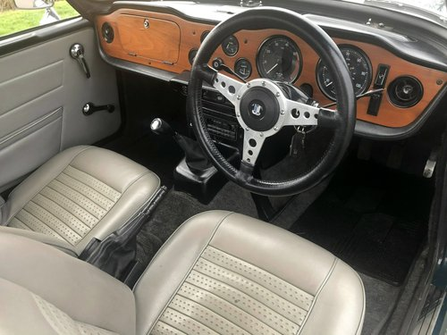 1973 Triumph TR6 PI 150 BHP Manual / Overdrive SOLD (picture 5 of 6)