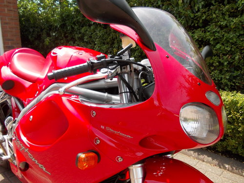1999 TRIUMPH DAYTONA 955I.STUNNING TORNADO RED.£2975. For Sale (picture 4 of 6)