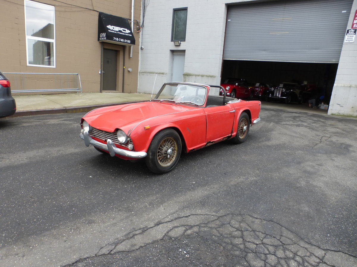 1965 Triumph TR4 Complete Car For Restoration - For Sale (picture 3 of 6)