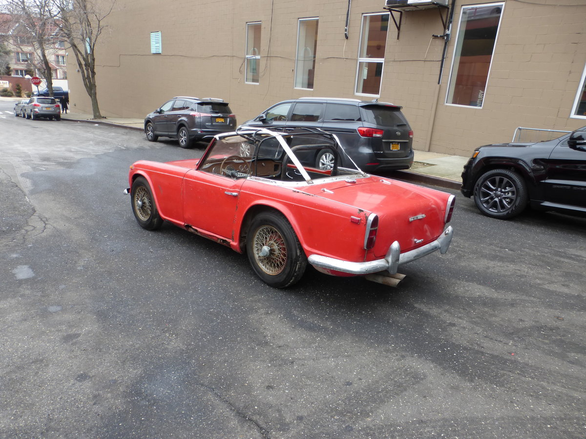 1965 Triumph TR4 Complete Car For Restoration - For Sale (picture 4 of 6)