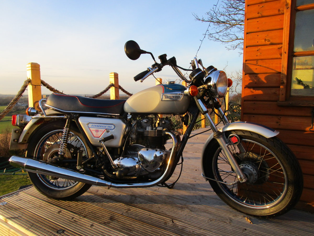 1977 SILVER JUBILEE Triumph T140 J  SOLD (picture 1 of 6)