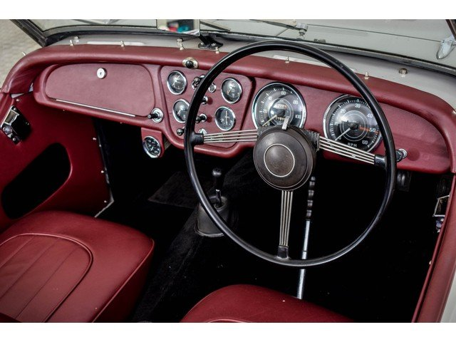 1955 Triumph TR2 Small Mounth RHD For Sale (picture 4 of 6)