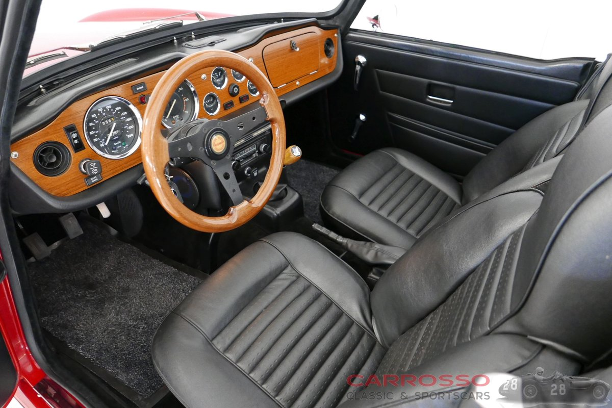 1971 Triumph TR6 Completely restored and in perfect condition ! For Sale (picture 3 of 6)