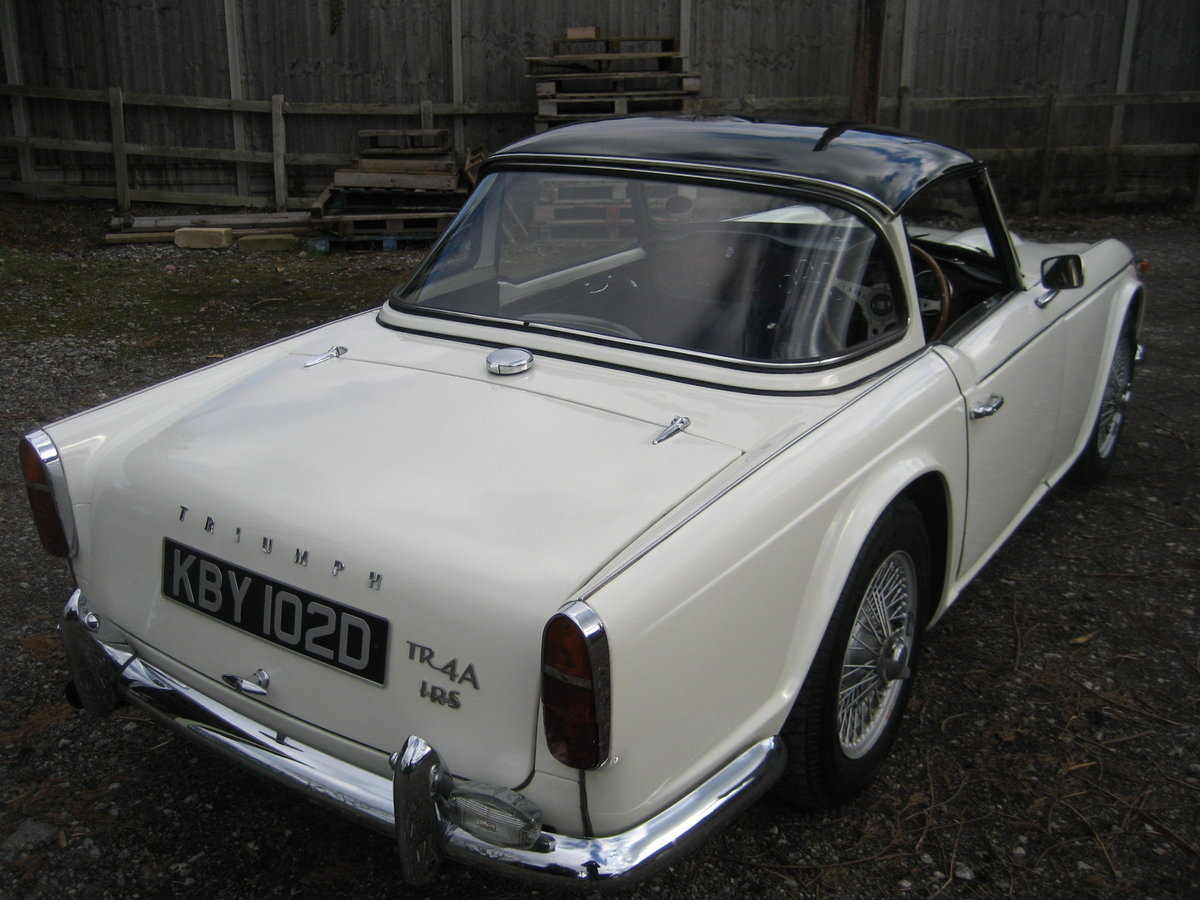 1966 Triumph TR4a Surrey Top For Sale (picture 4 of 6)