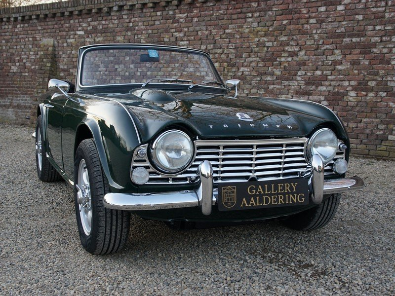 1965 Triumph TR4 restored condition, only 2.947 mls after restora For Sale (picture 5 of 6)