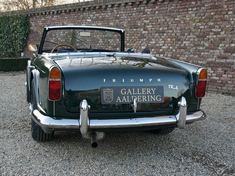 1965 Triumph TR4 restored condition, only 2.947 mls after restora For Sale (picture 6 of 6)