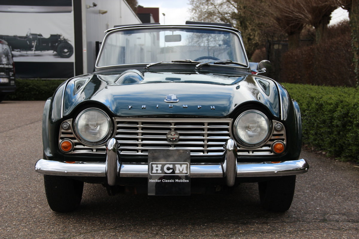 1963 Triumph TR4 For Sale (picture 3 of 6)