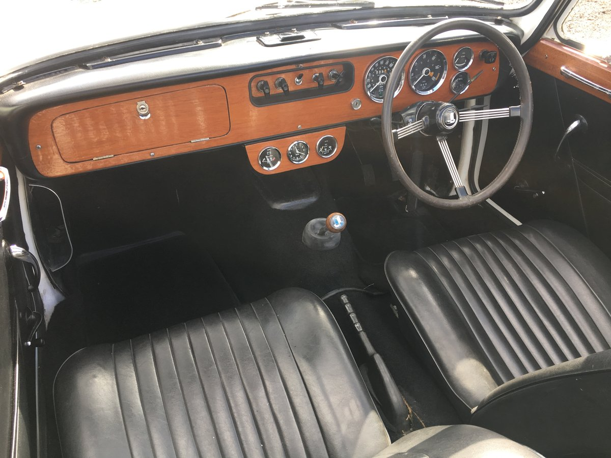 1968 Triumph Vitesse MkII convertible with overdrive. SOLD (picture 4 of 6)