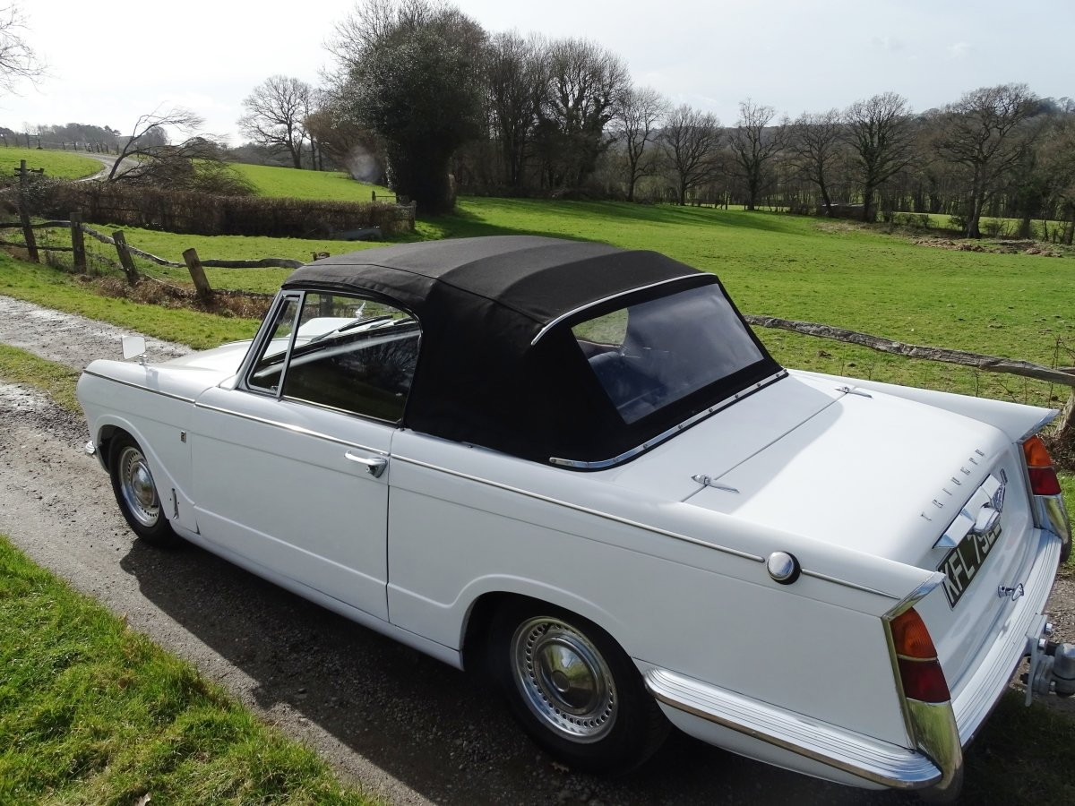 1967  Vitesse Mk1 2-litre overdrive Convertible, ready to enjoy.  SOLD (picture 2 of 6)