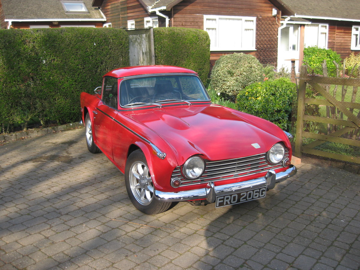 Original english 1968 red tr5 surrey top. For Sale (picture 2 of 6)