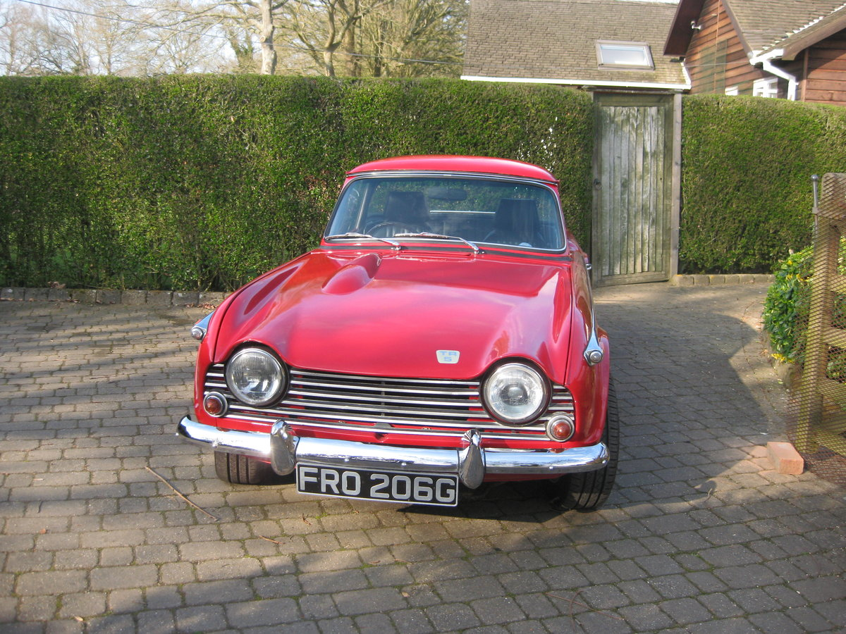 Original english 1968 red tr5 surrey top. For Sale (picture 3 of 6)
