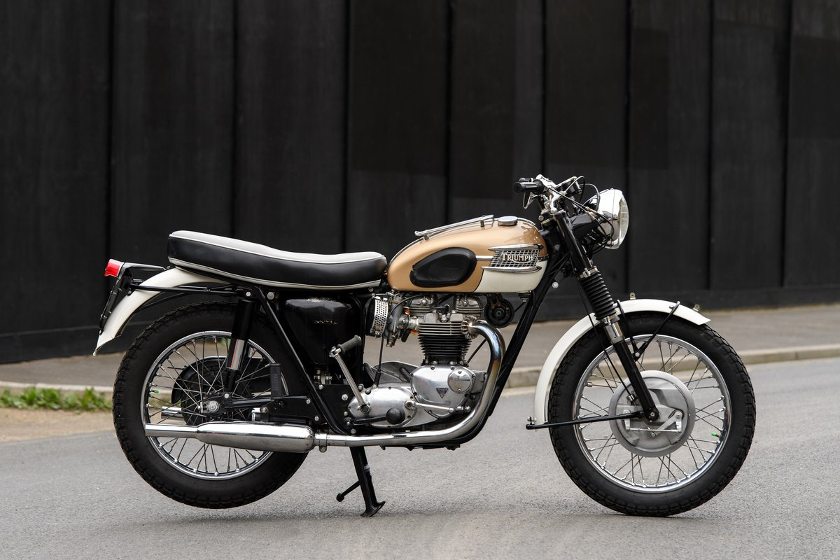 1964 T120 Triumph 650 Bonneville  SOLD (picture 1 of 9)