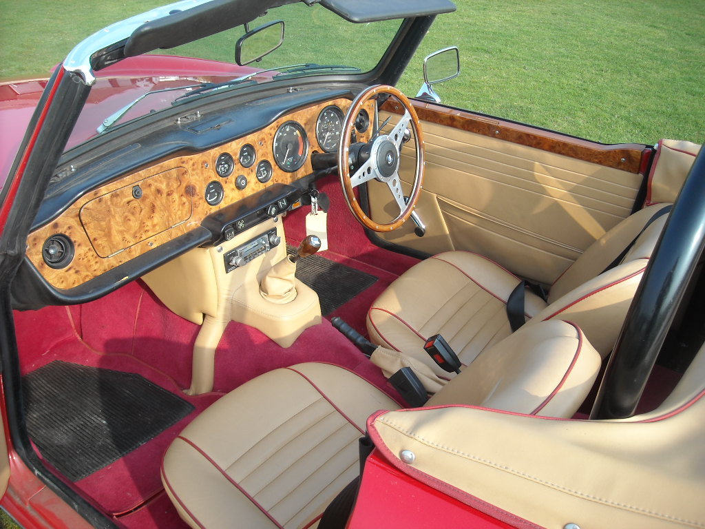 1971 Beautiful Uk registered TR6 For Sale (picture 4 of 6)