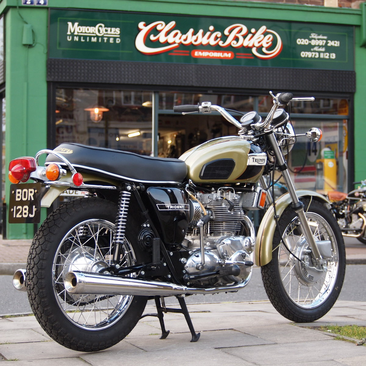 1971 T150T Trident, UK Bike, Concours d'elegance Condition. SOLD (picture 1 of 6)