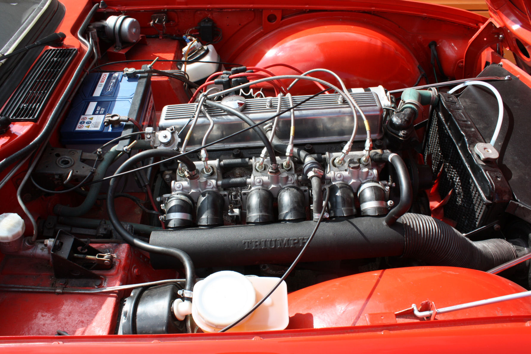 TR6 1974. ORIGINAL FUEL INJECTED UK CAR WITH OVERDRIVE SOLD (picture 4 of 6)