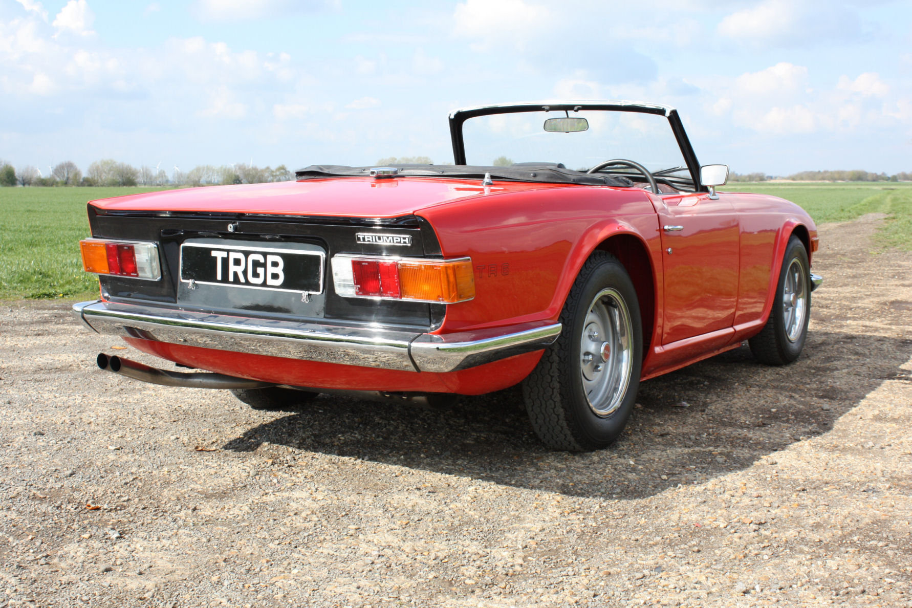 TR6 1974. ORIGINAL FUEL INJECTED UK CAR WITH OVERDRIVE SOLD (picture 5 of 6)