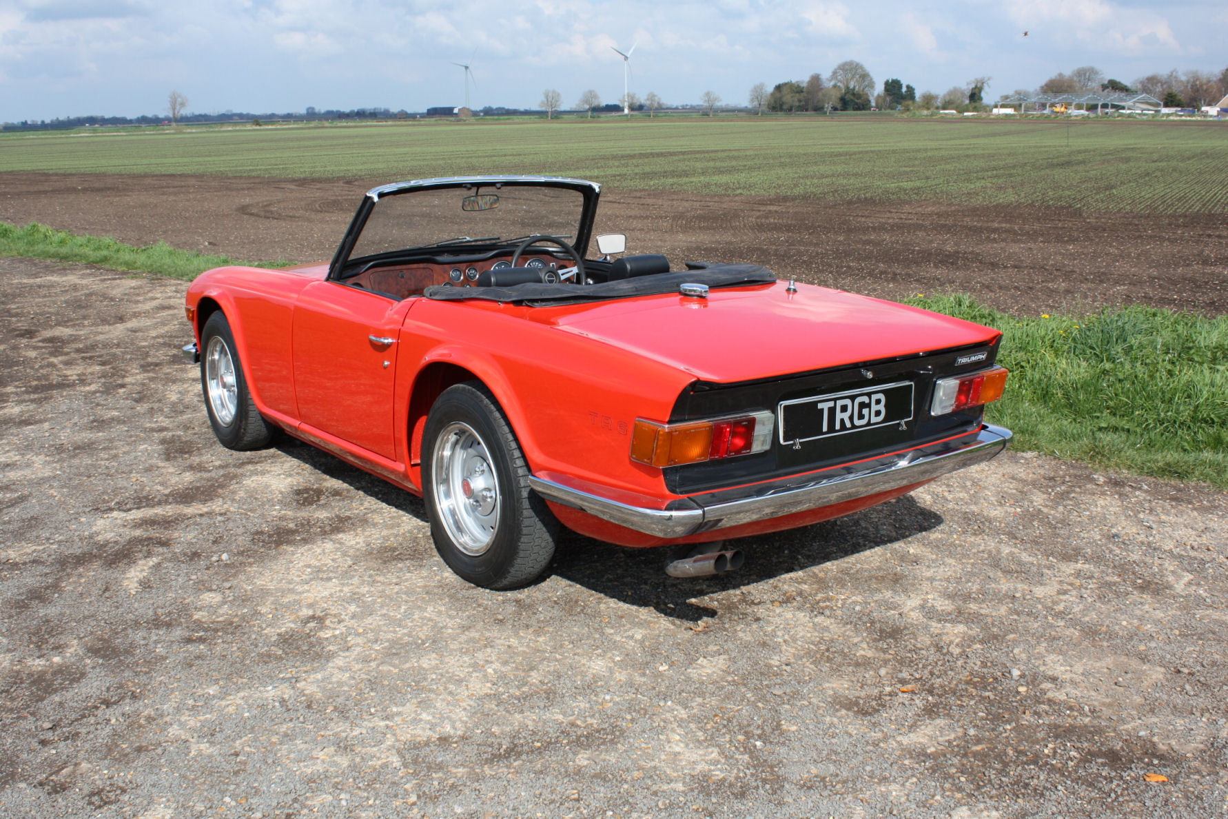 TR6 1974. ORIGINAL FUEL INJECTED UK CAR WITH OVERDRIVE SOLD (picture 6 of 6)